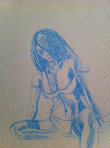 crayon bleu sur papier gris